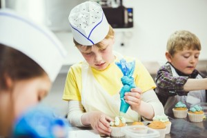 kids cup cake making