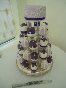 purple white cup cakes