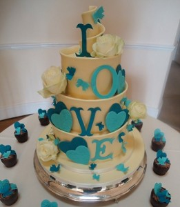 Bespoke Wedding contemporary cakes made in Cheltenham, Gloucestershire and the Cotwolds