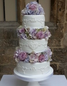 Contemporary Cake Designs has just completed another Wedding Cake for a client in the Cotswolds