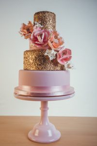 pink-gold-wedding-cake