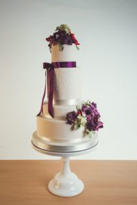 purple-flowered-wedding-cake