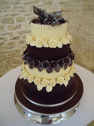 4 tier chocolate wedding cake recipe four tier chocolate vanilla wedding cake 10372